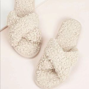 Shoes - NWOT Cross Strap Fluffy House Slippers